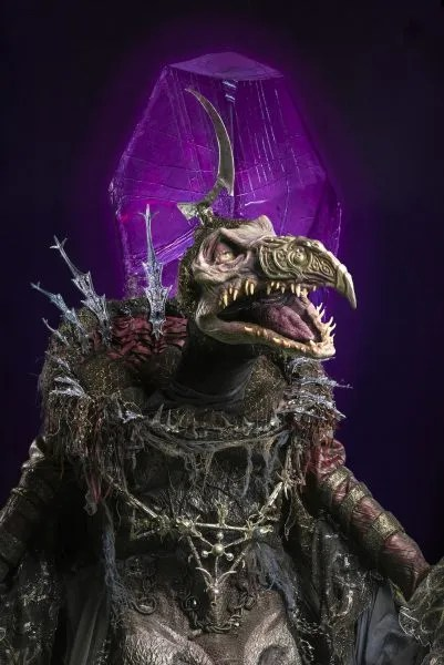 dark-crystal-series-images-jason-isaacs-emperor