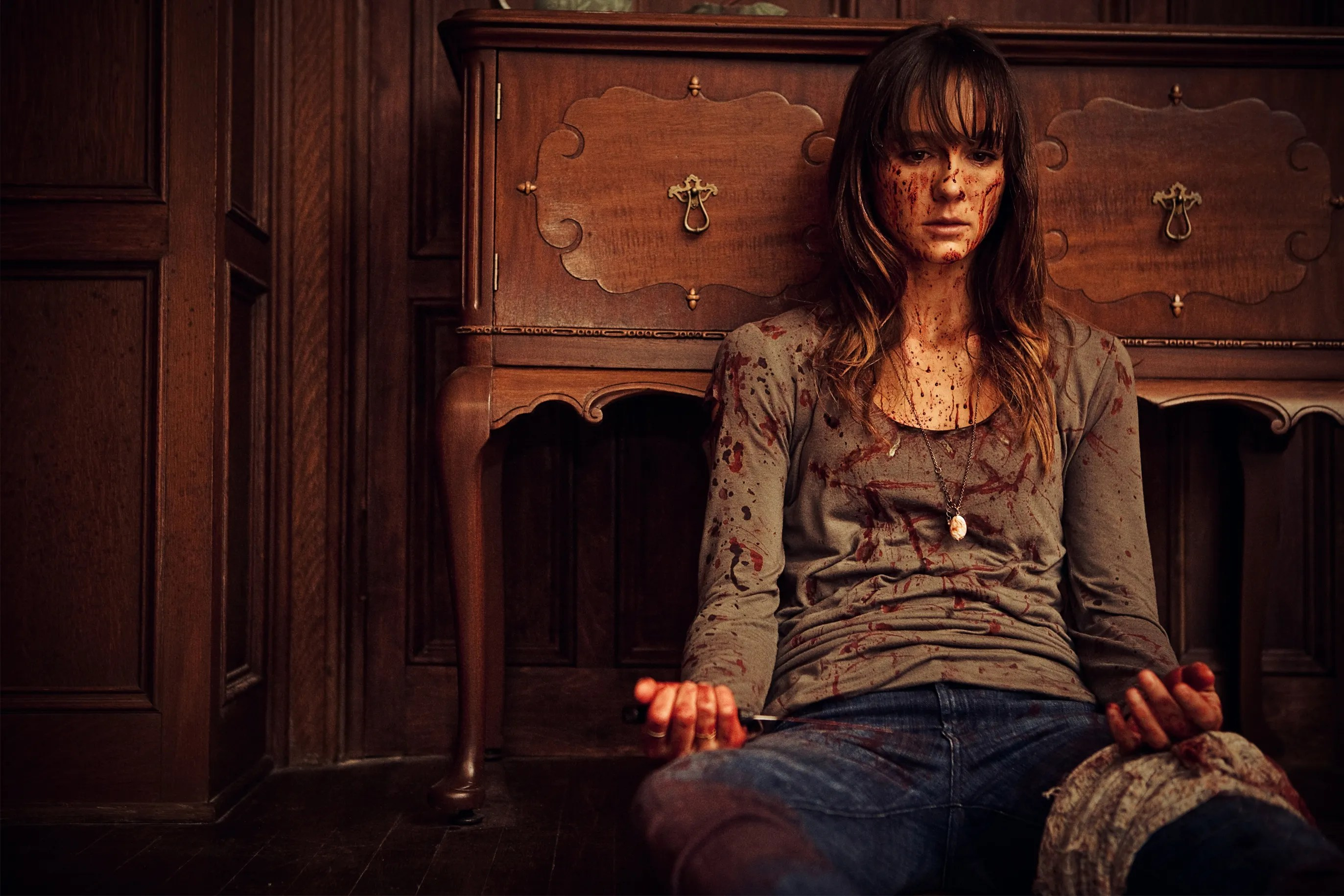 Sharni Vinson Talks You Re Next Playing The Survivalist Girl Embracing The Film S Stunts And