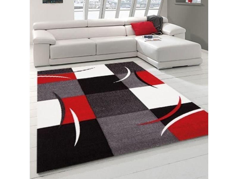 tapis gris rouge noir
