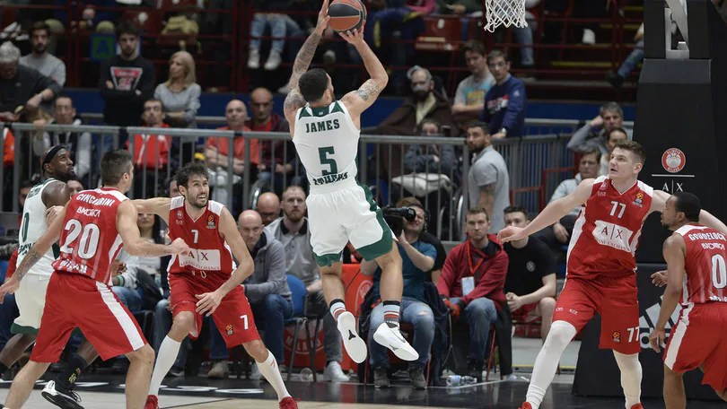 Eurolega, James beffa Milano all'overtime