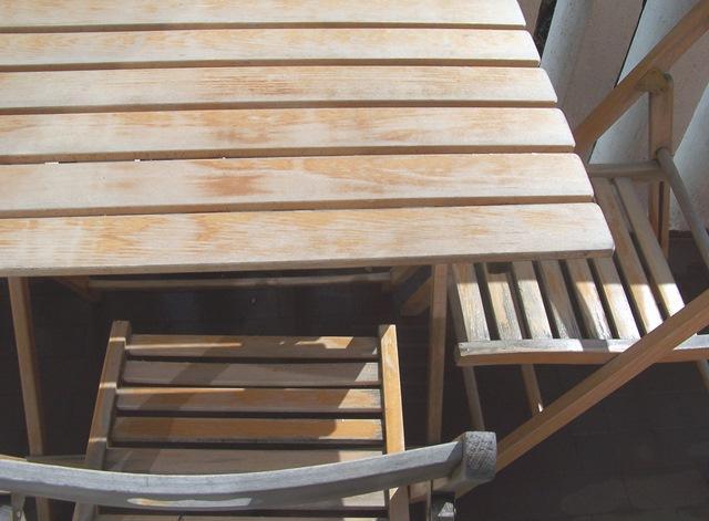 Non c'è niente come una vecchia sedia a dondolo in legno. Un Tocco Di Colore Per Dipingere Tavolo E Sedie In Legno Cose Di Casa