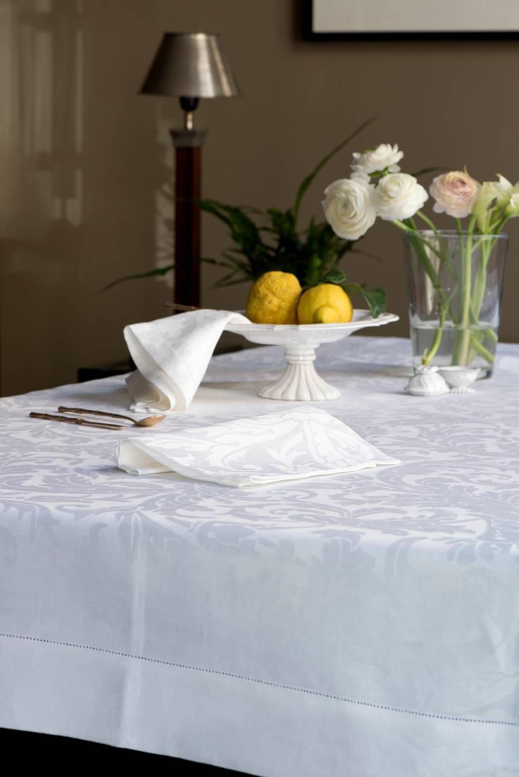 tovaglie di lino fatte a mano n.2 una bianca e l'altra gialla 2.50x2.15. Tovaglie Per La Tavola D Estate Cose Di Casa