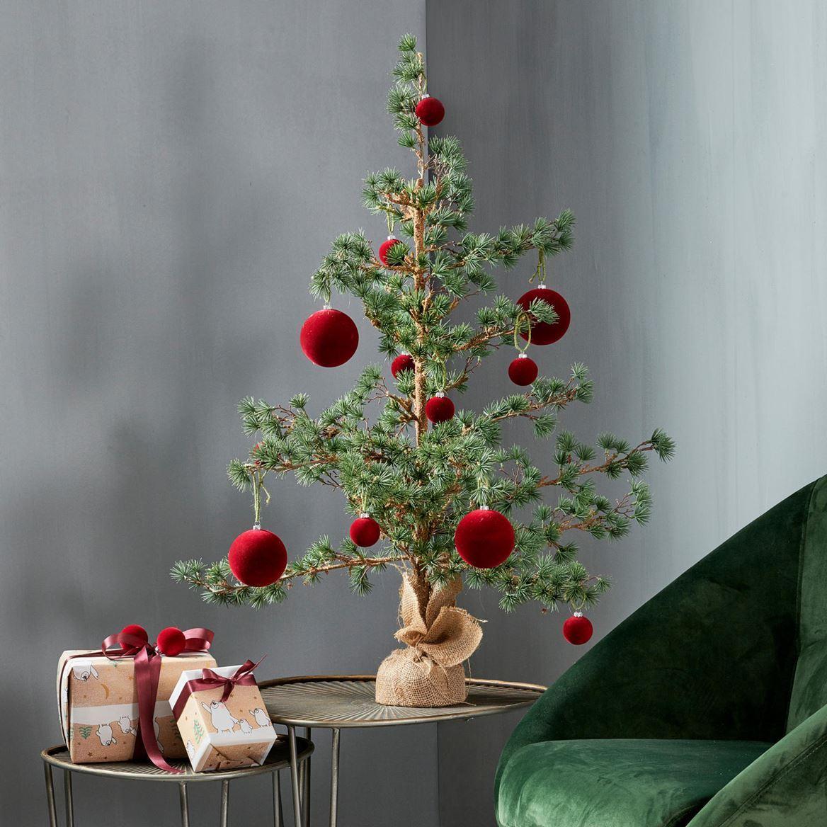 Albero di natale finto in alberi di natale. Alberi Di Natale Per Festeggiare Anche Quest Anno Cose Di Casa