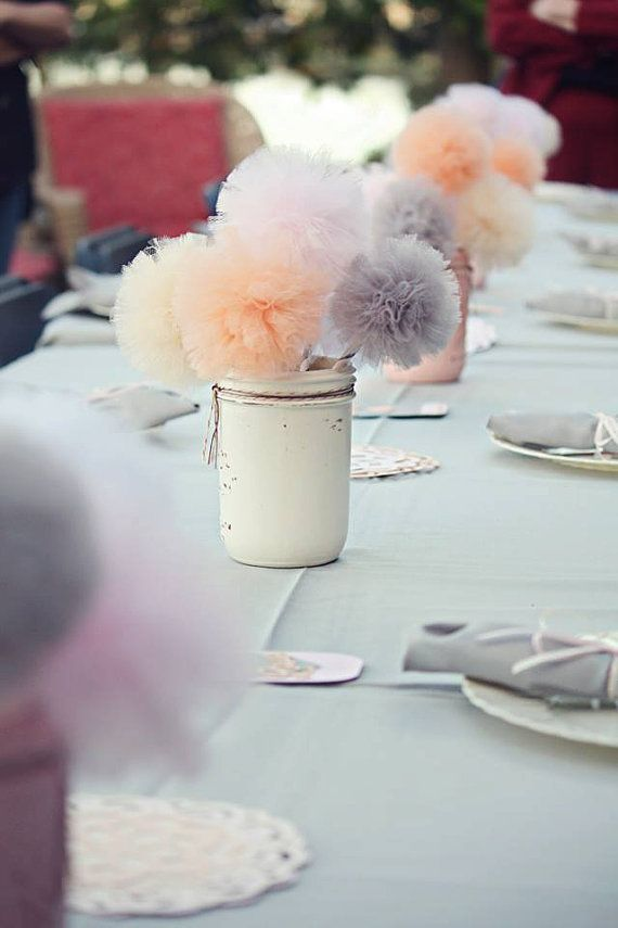 Tulle Pompom Centerpieces | thegoodstuff