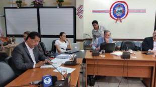 Presencia de Víctor Morales fue cuestionada por los diputados. CRH