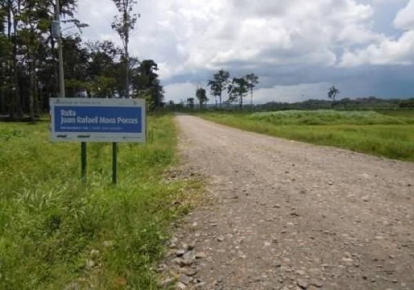 La ruta 1856, impulsada por el gobierno de Laura Chinchilla, aún deja una estela de dudas. Archivo CRH