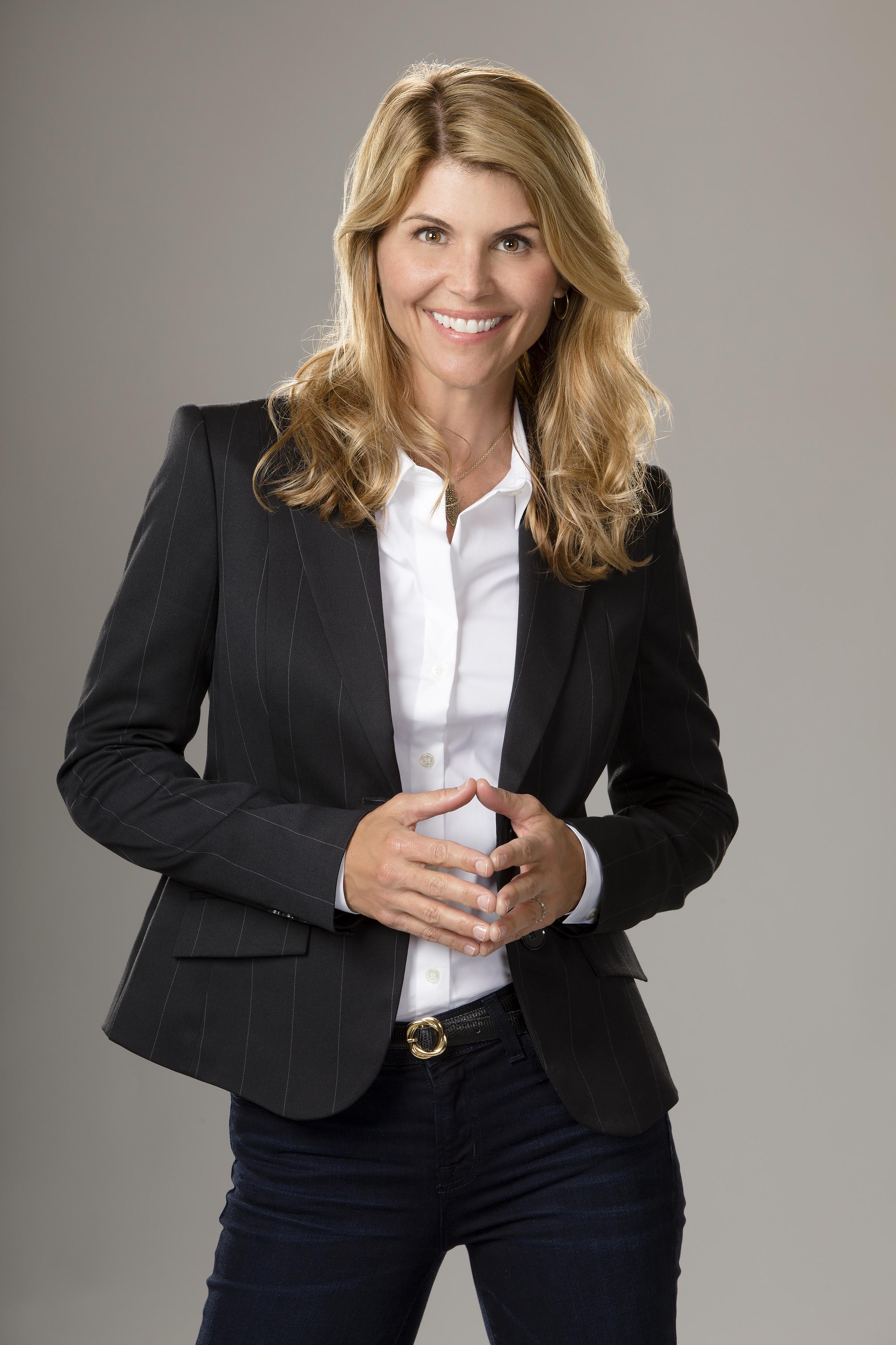 Lori Loughlin Cast Garage Sale Mysteries All That
