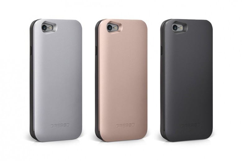 The ALUMINUM Slider comes in silver, black and rose gold.