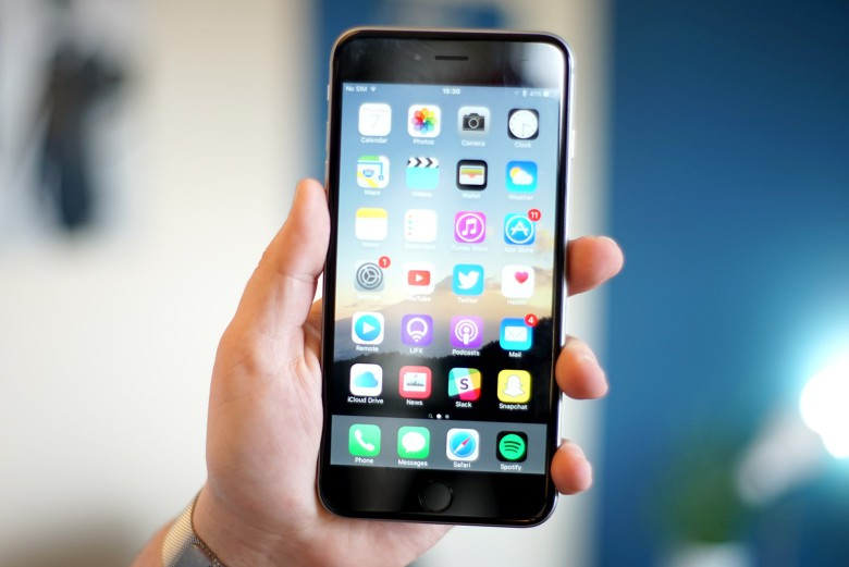 Image result for iphone 7 plus display