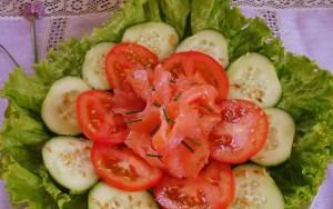 Não se deve comer pepino e tomate na mesma salada!