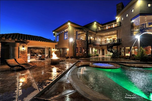 Luxury Tuscan Style Mansion In Washington Is An