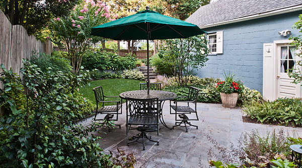 The Art of Landscaping a Small Yard on Small Yard Deck id=82733