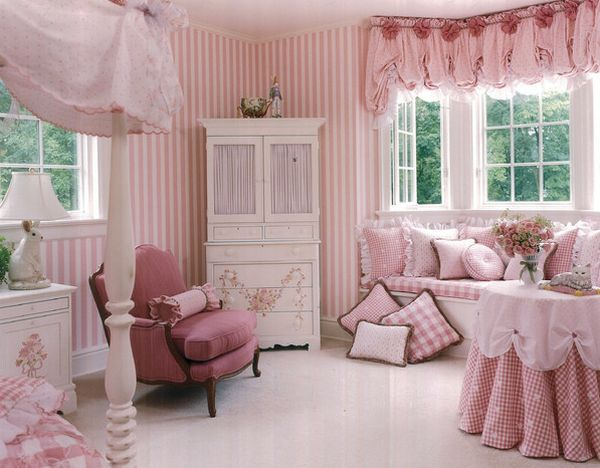 View In Gallery Matching Ds And Pillow Covers Add To The Glam Factor Of Pretty Pink Style