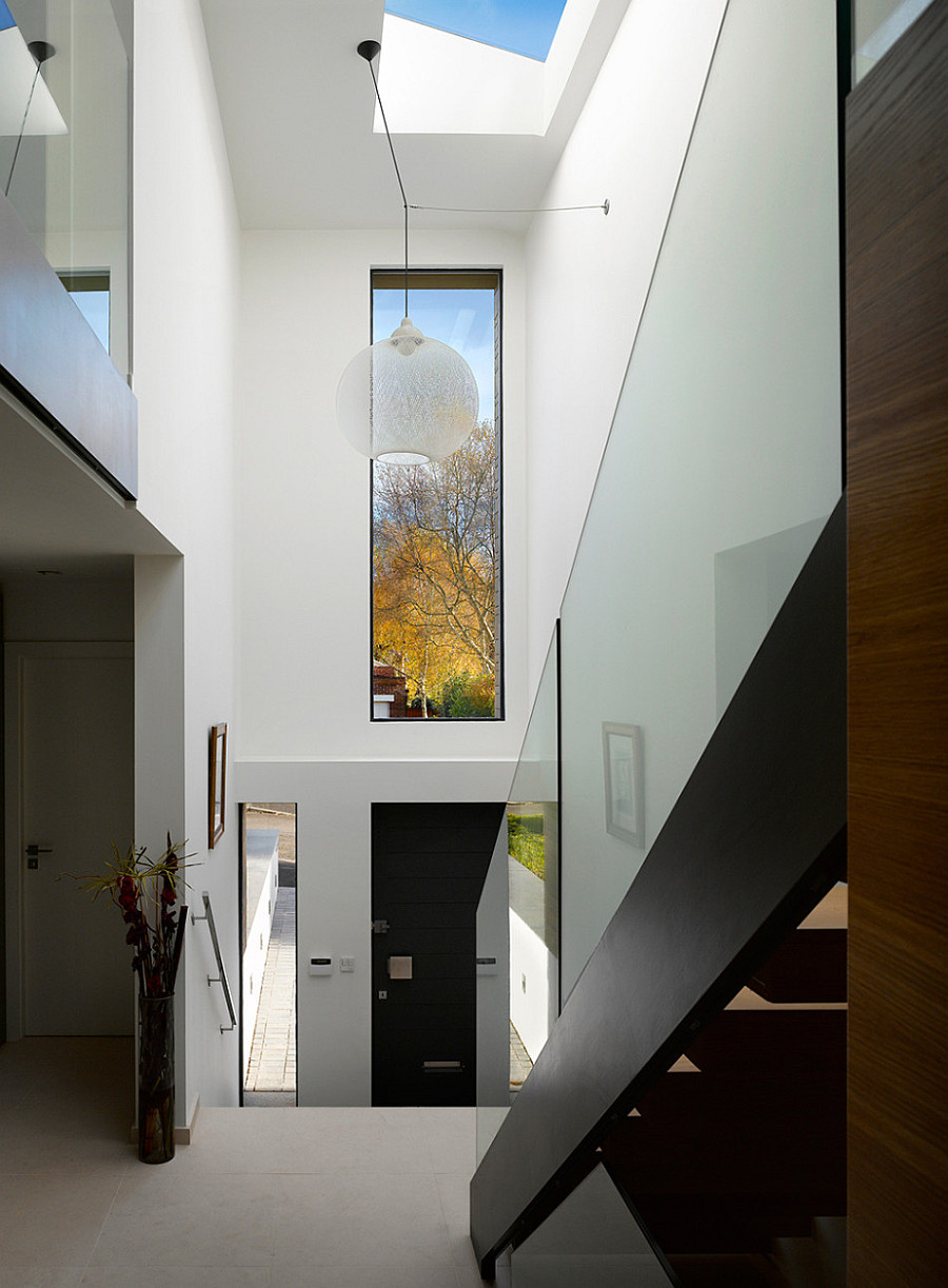 Manchester Residence Gets a Modern Makeover Encased in ... on Modern Entrance Design  id=84158