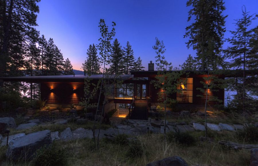 Coeur DAlene Cabin Blends Lovely Lake Views With Modern