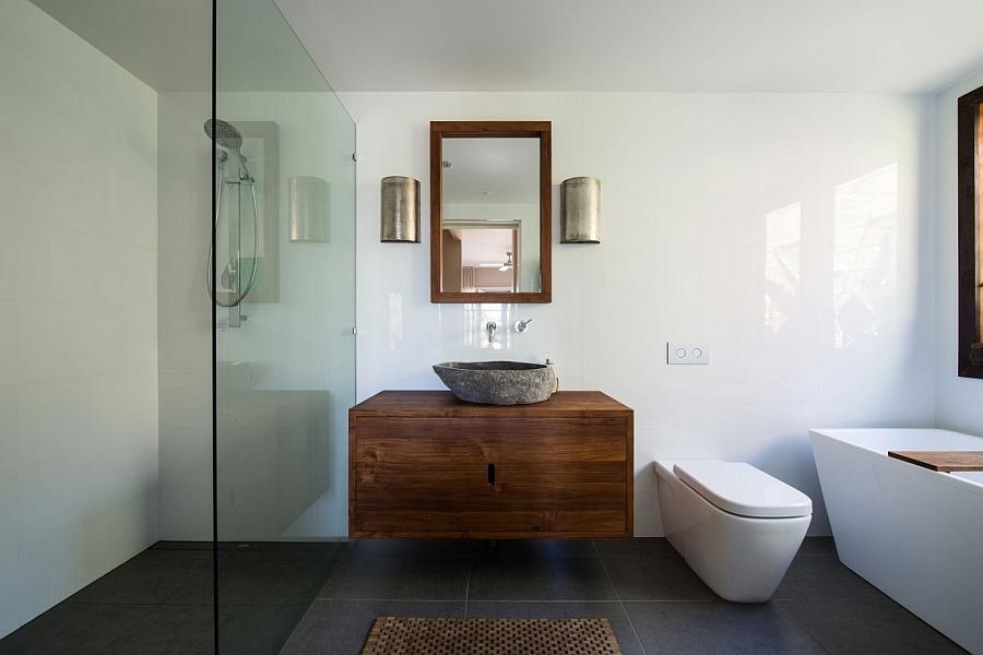 Small 70s Home in Australia, Gets Creative, Eco-Friendly ...