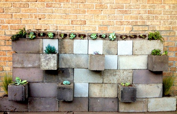 DIY Projects With Cinder Blocks Ideas, Inspirations on Backyard Cinder Block Wall Ideas id=64068
