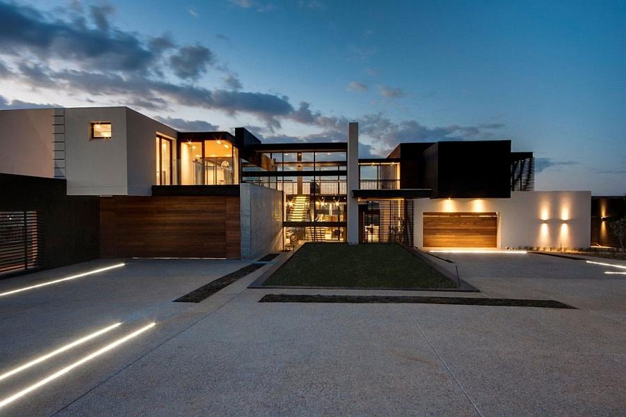 Lavish House Reinterprets The Classic Bush Lodge With ... on Amazing Modern Houses  id=34805