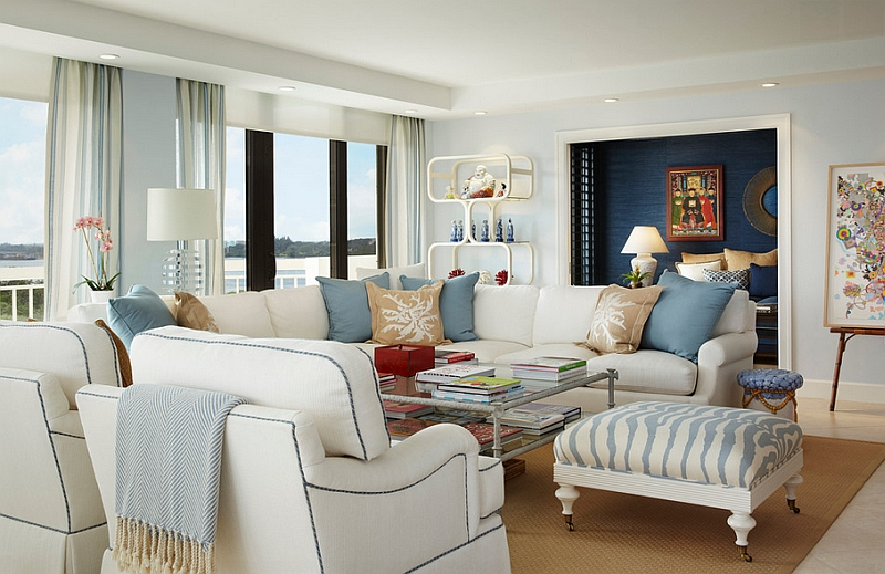 Apartment With Ocean Views Employs A Breezy, Beach