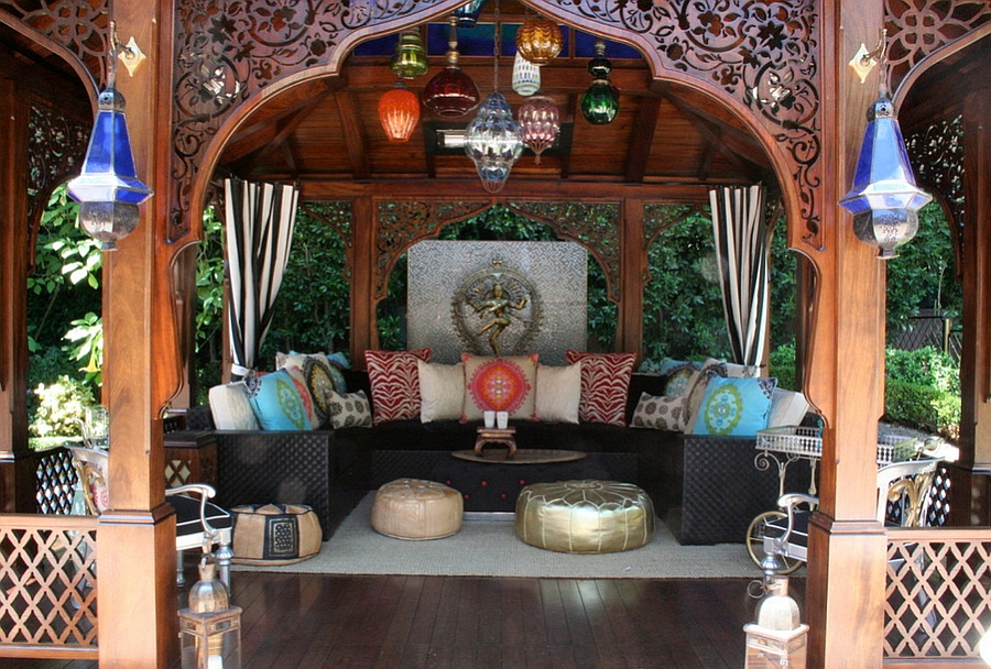 Moroccan Patios, Courtyards Ideas, Photos, Decor And ... on Moroccan Backyard Design  id=28496