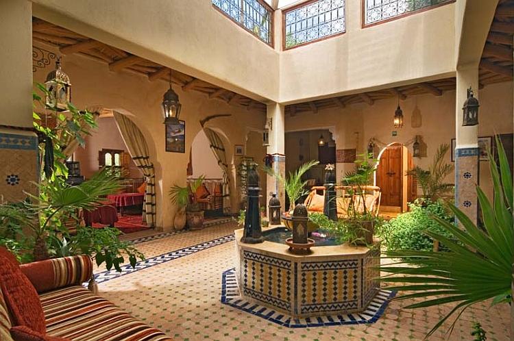 Moroccan Patios, Courtyards Ideas, Photos, Decor And ... on Moroccan Backyard Design  id=38690