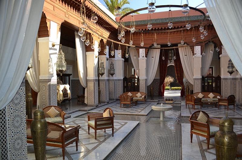 Moroccan Patios, Courtyards Ideas, Photos, Decor And ... on Moroccan Backyard Design id=17761