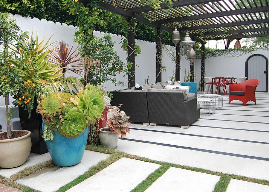 Moroccan Patios, Courtyards Ideas, Photos, Decor And ... on Moroccan Backyard Design  id=21878