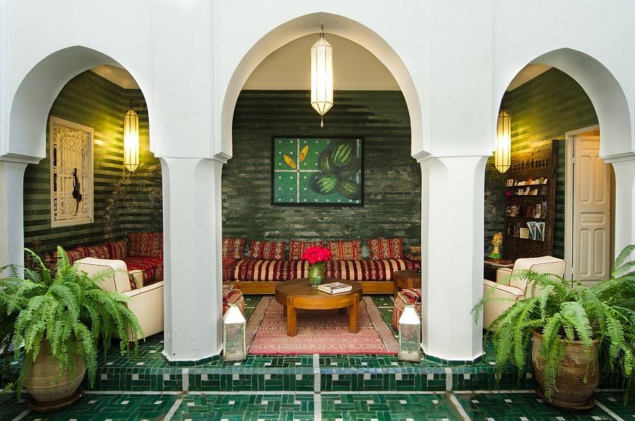 Moroccan Patios, Courtyards Ideas, Photos, Decor And ... on Moroccan Backyard Design  id=20688