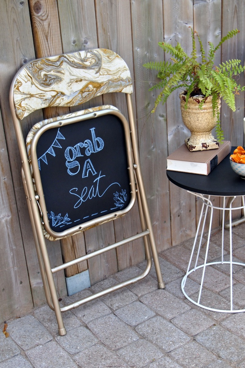 Charmant Diy Folding Chair Makeover With Chalkboard Bottoms