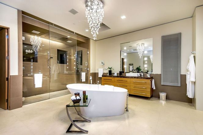 View In Gallery Cascading Chandelier Above The Bathtub Steals Show Photography Mark Pinkerton Vi360