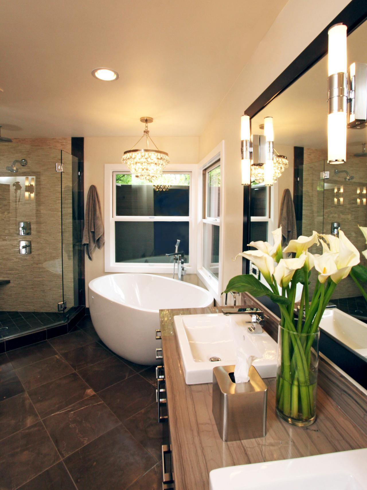 20 Luxurious Bathrooms with Elegant Chandelier Lighting on Bathroom Apartment Ideas  id=53400