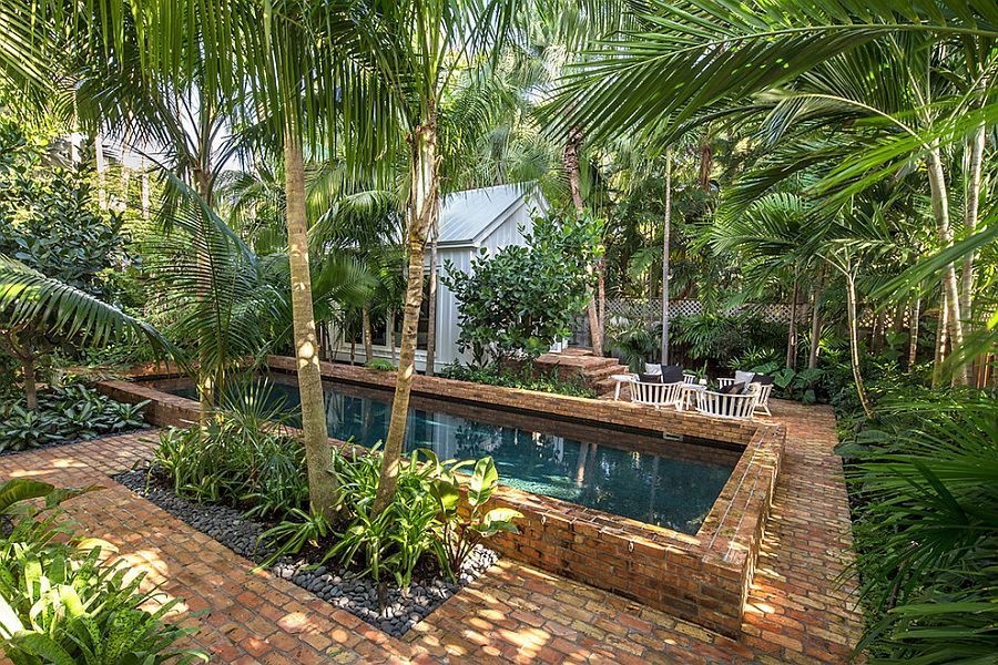 25 Spectacular Tropical Pool Landscaping Ideas on Tropical Small Backyard Ideas id=91223
