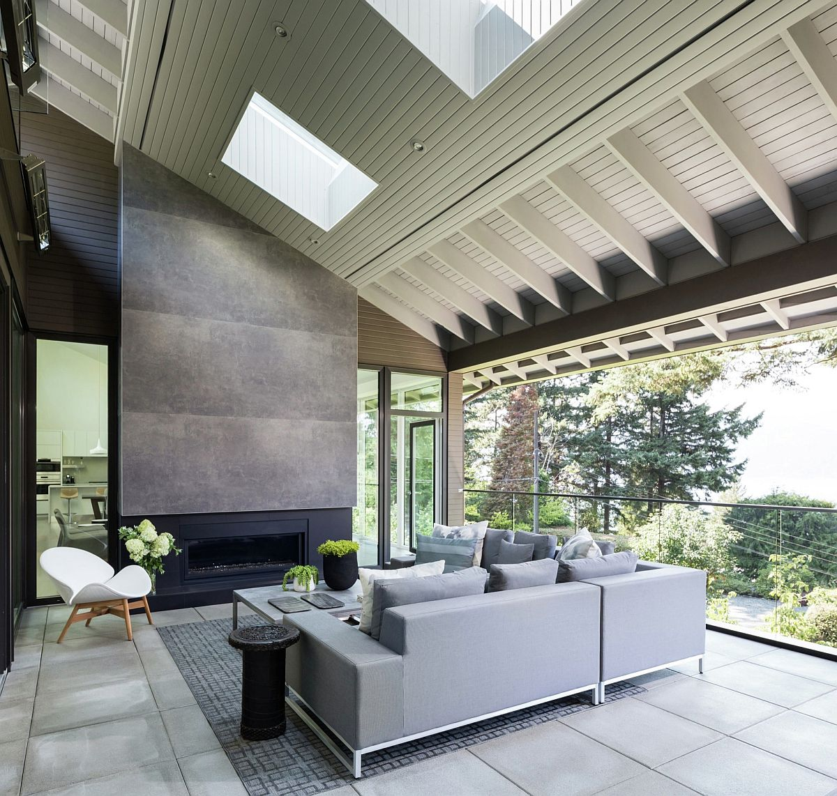 Vancouver Home By Randy Bens Architect Extends Its Living