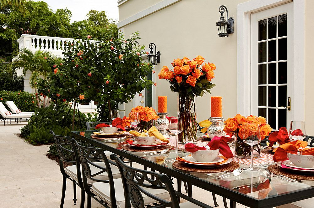 15 Outdoor Thanksgiving Dinner Decorations & Table Settings on Backyard Table Decor id=78837