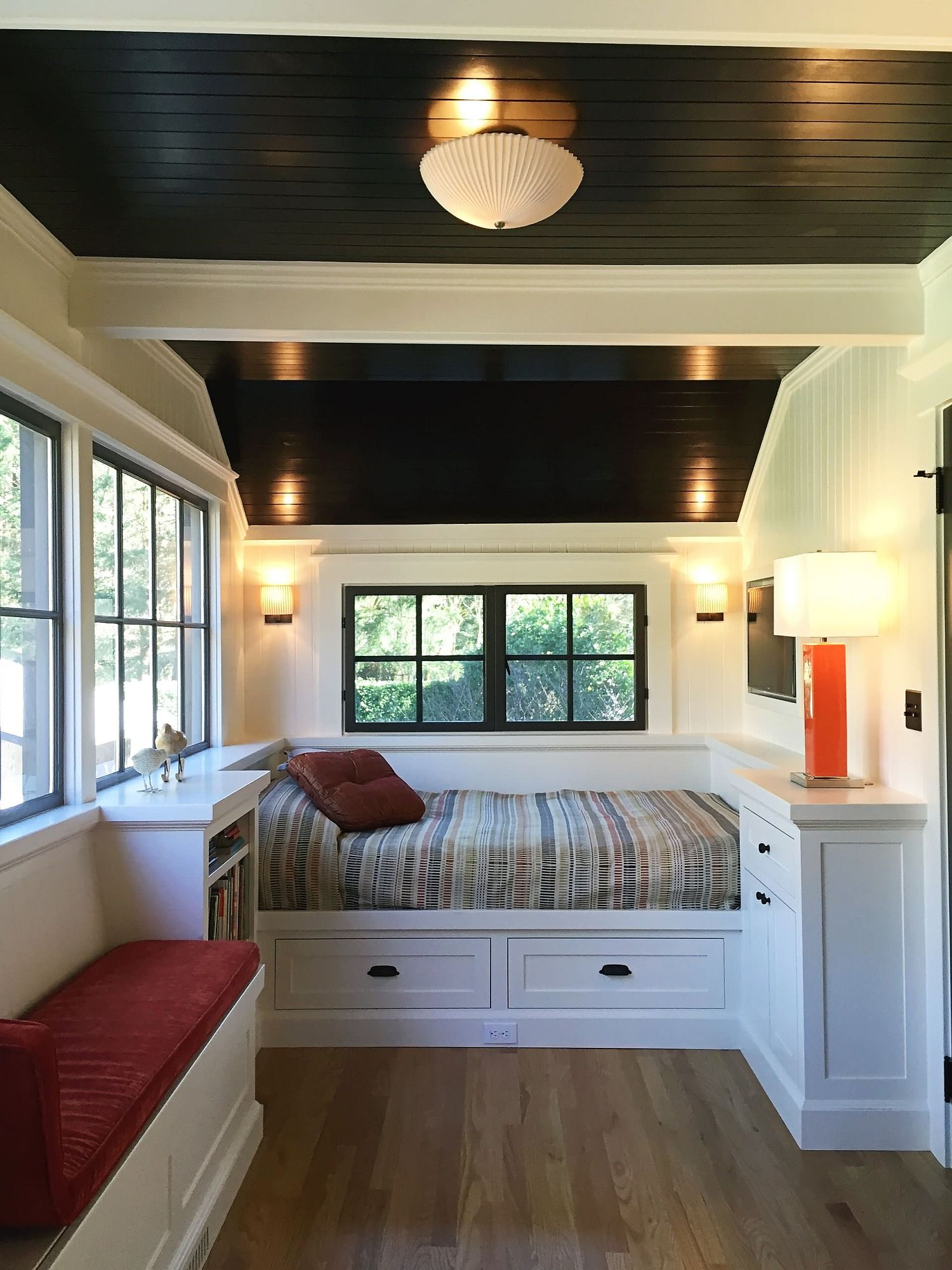 Tiny Space Upgrades: Smart Decorating Ideas on a Budget ... on Bedroom Ideas For Small Spaces  id=47858