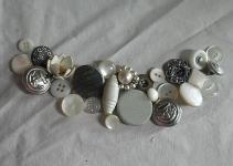 2messy Diy Vintage Button Necklace