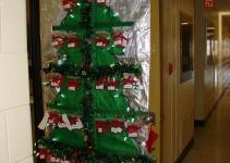 Biology Graduate Student Association Christmas Door
