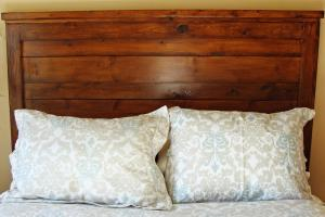 Build Rustic Wood Headboard Tos Diy