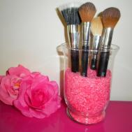 Colouring Rice Makeup Brush Holders Tango2
