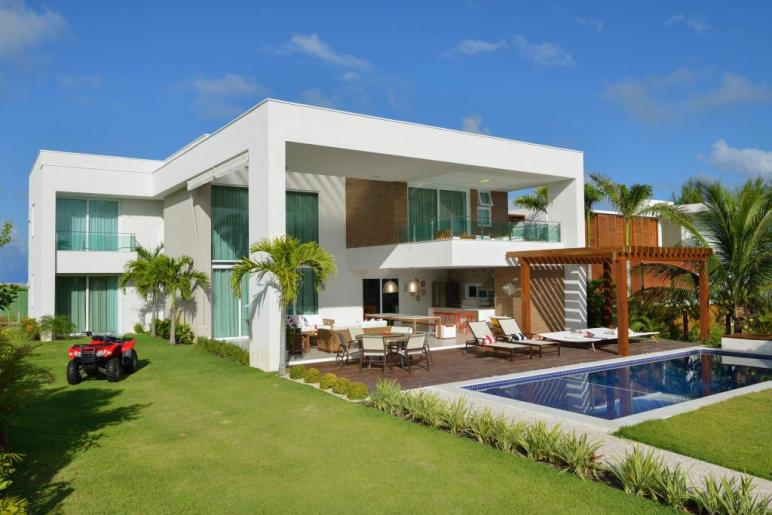 Contemporary Beach House Nautical Theme