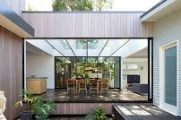 Contemporary Sydney Beach House Architects