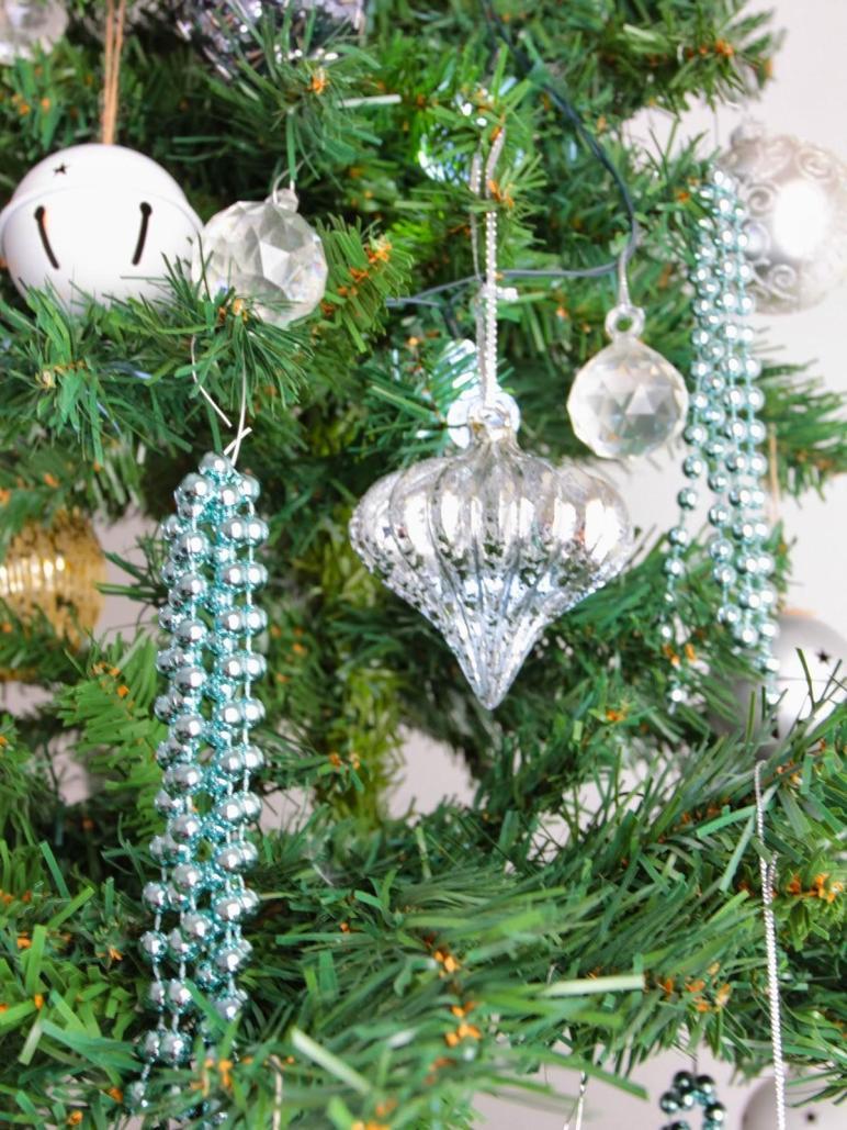 Diy Christmas Beaded Ornaments Basil Chaise