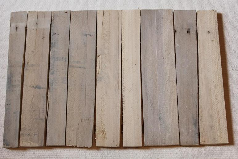 Diy Distressed Pallet Board Beautiful Modern Home