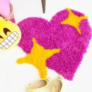 Diy Emoji Heart Yarn Rug