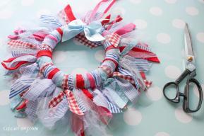 Diy Fabric Wreath Favourite Decorations