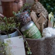Diy Mothers Day Gift Ideas Gardening Basket Elizabeth