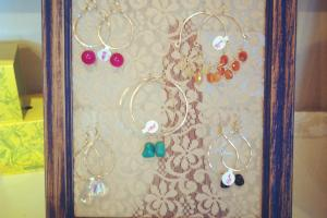 Diy Recycled Frame Earring Rack Roserags