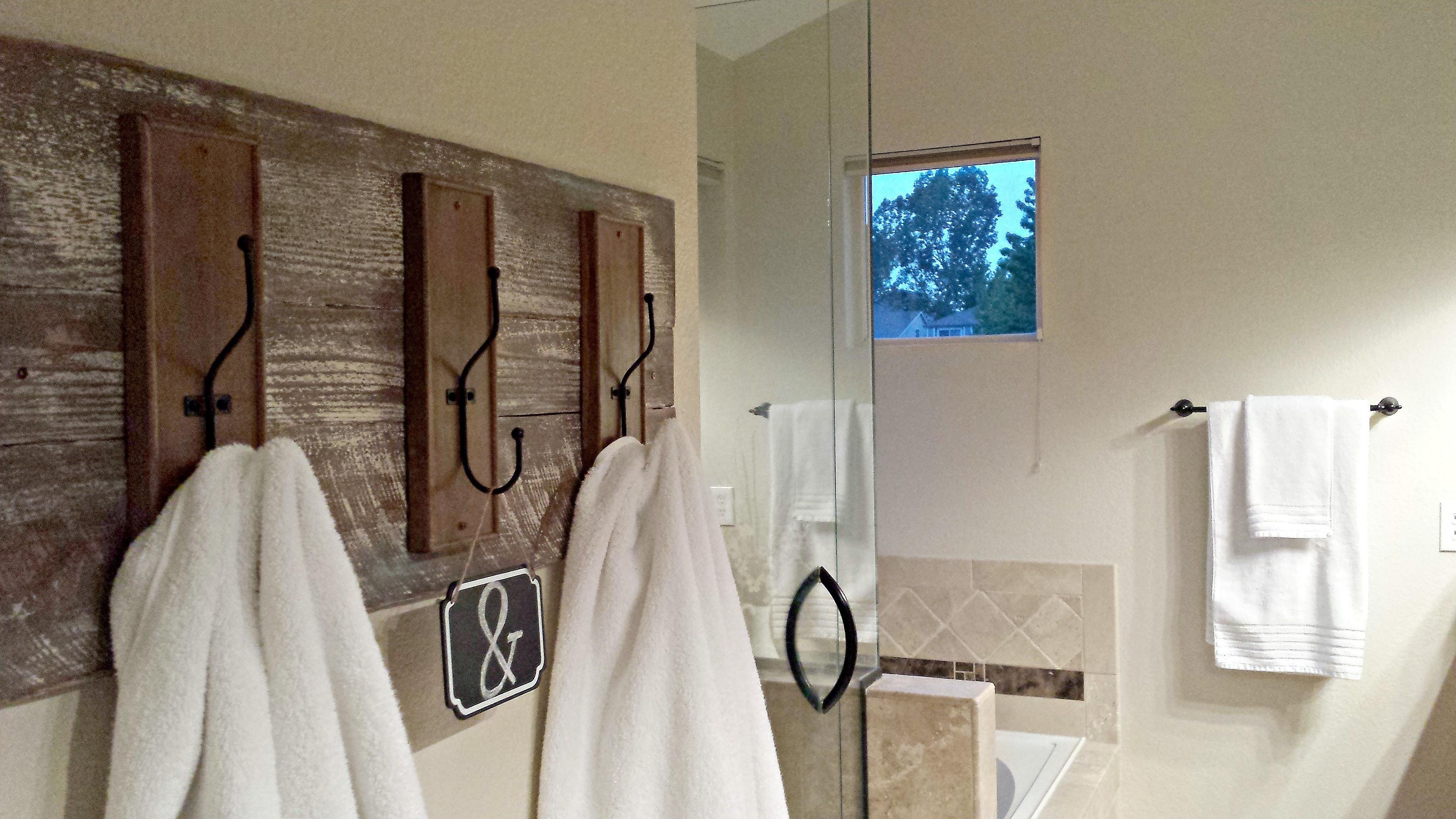 36 elegant rustic diy towel organizer