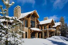 Enchanting Modern Rustic Dwelling Rugged Mountains