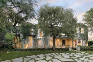 Exquisite Beverly Hills Traditional Style Estate